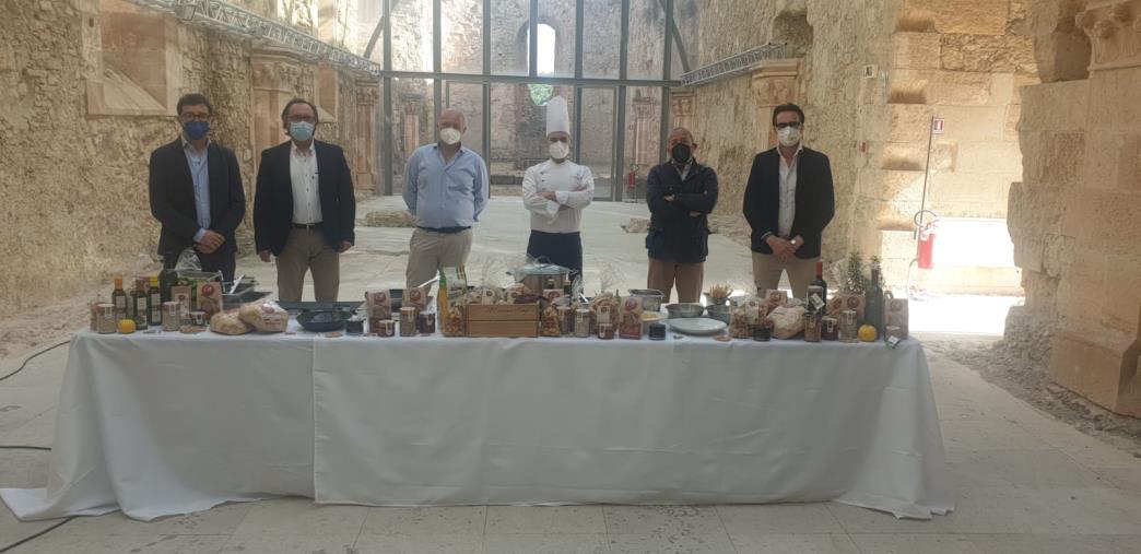 images Cosenza. WineArt Festival: al Castello Svevo protagonisti produttori, vino e cultura