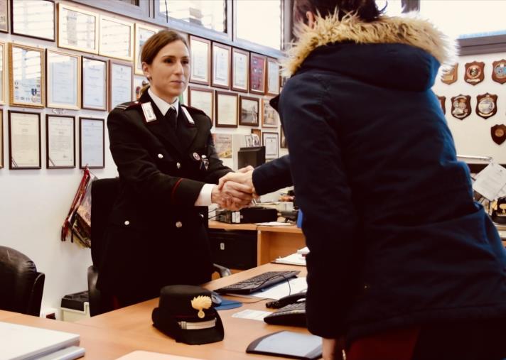 images Gizzeria, donna aggredita dal compagno chiede aiuto ai carabinieri: in manette un 33enne