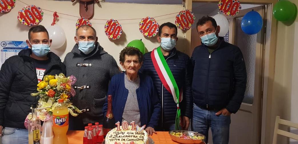 images Belcastro. Nonna Elisabetta compie 101 anni