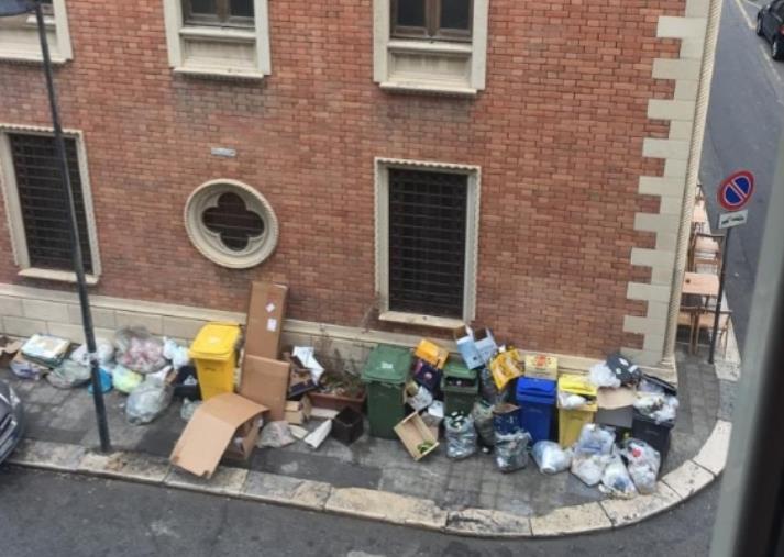 """images Reggio Calabria. Pizzimenti: """"Il sistema porta a porta, voluto dal sindaco Falcomatà, ha prodotto un ingente spreco di risorse economiche, senza ottenere risultati positivi"""""""