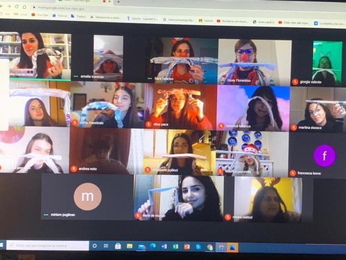 """images Catanzaro. L'Istituto 'De Nobili' si apre al sociale e """"incontra"""" i Clown Vip"""