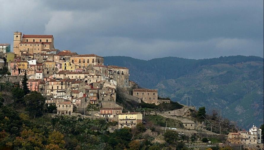 images Sellia, entro marzo oltre 450 mila euro di lavori per rendere il Borgo sempre  più accogliente e  Smart