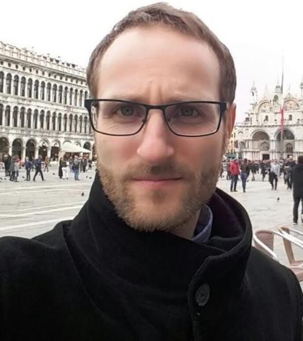 """images L'intervista. """"La caduta del vento e delle foglie"""": il catanzarese Giacomo Perez presenta il suo primo romanzo"""