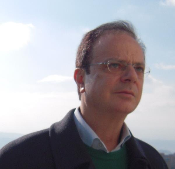 """images Covid. L'economista Walter Frangipane su """"fondi e vaccini"""""""