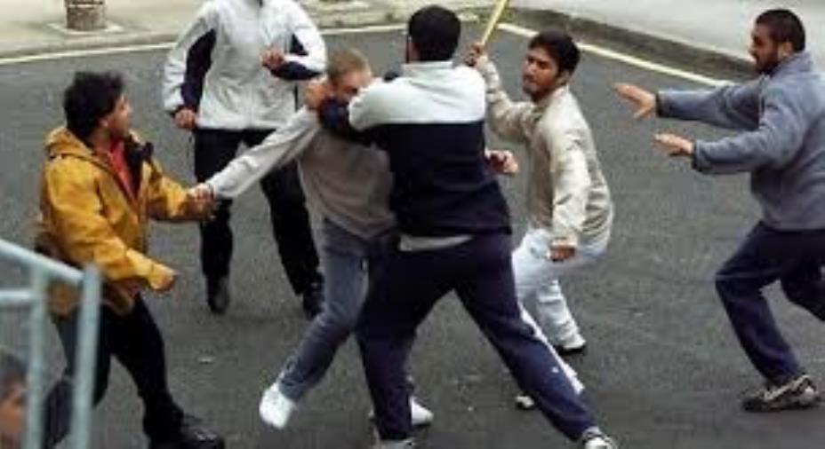 images Movida violenta a Lamezia Terme: la Polizia denuncia gli autori di un pestaggio. Coinvolti anche minori