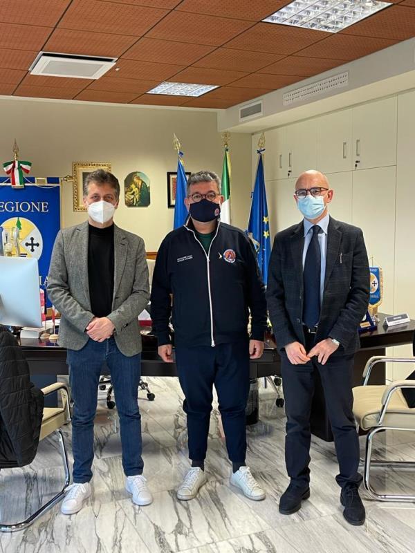 """images Vaccini. Unindustria Calabria: """"Le aziende pronte a mettere a disposizione locali e medici"""""""