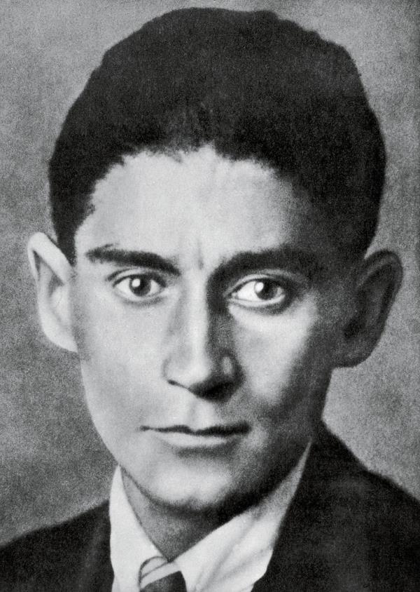 """images Davide Zicchinella: """"Se fosse ancora in vita, l'odierna Calabria, sarebbe la migliore musa ispiratrice di Kafka"""""""
