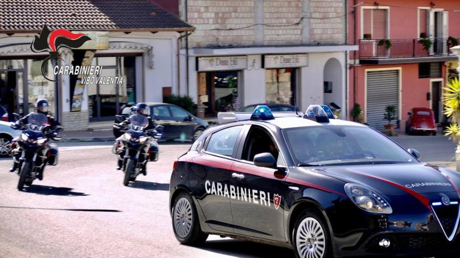 """images """"Trailer Fee"""". Sgominata banda dedita ad estorsioni tra la piana di Gioia Tauro e il vibonese, 7 arresti"""