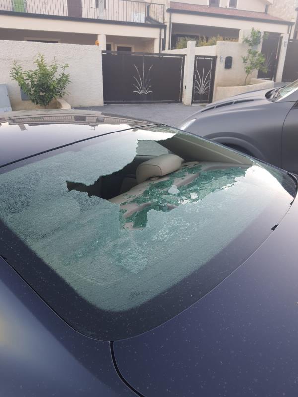 """Catanzaro. Danneggiata l'auto dell'amministratore della """"Navylos"""": """"Ora chiediamo l'intervento di Gratteri"""""""