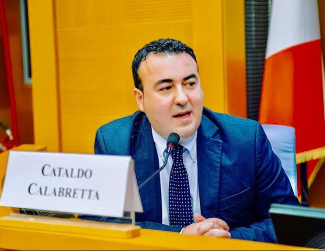 """images Aeroporto Sant'Anna di Crotone, Calabretta (Lega): """"Dal suo sviluppo dipende il futuro dei territori"""""""