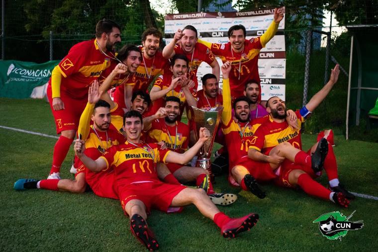 images Da Catanzaro a Milano l'amore per la propria città e per lo sport: il binomio vincente del Cizeta F.C. 2012