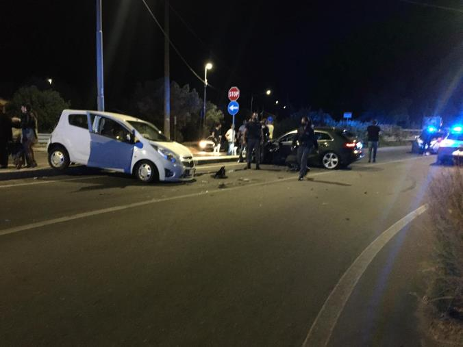 images Catanzaro. Incidente stradale in località Barone: 2 auto coinvolte e 4 feriti lievi
