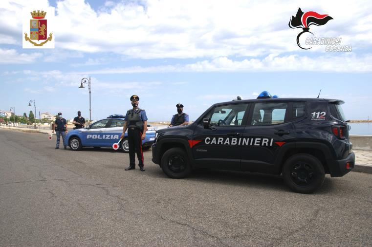 images Migranti. In 56 sbarcano al porto di Cariati: fermati due skipper