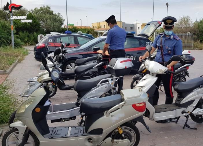 images Biciclette elettriche modificate, a Crotone sanzioni e sequestri dei Carabinieri