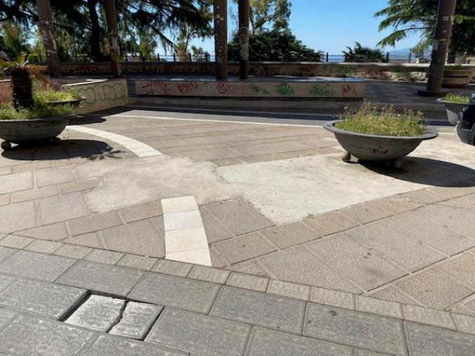 """images Catanzaro. Stefano Veraldi: """"I Giardini di San Leonardo, e non solo, vanno ridefiniti nella manutenzione perché esiste un limite all'indecenza"""""""