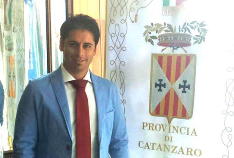 """images Il vice presidente della Provincia di Catanzaro, Montuoro: """"Lascio Forza Italia. Vuoto di idee, confronto e prospettive"""""""