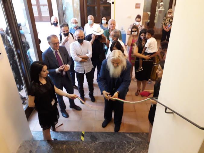 """images Inaugurata al Museo Marca di Catanzaro la mostra di Max Marra """"L'inquieta bellezza della materia"""""""