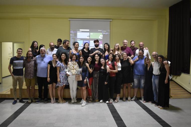 images Soverato. Una festa con canti e balli ha concluso il primo triennio dell'istituto Pratesi, l'Università calabrese degli educatori