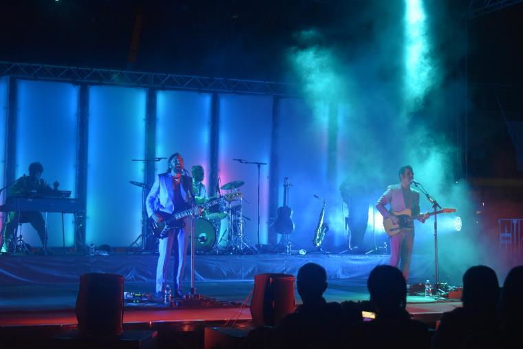 images Di musica leggerissima e altri toy boys cantautori: Colapesce e Dimartino ieri sera all'Unical (SCALETTA)