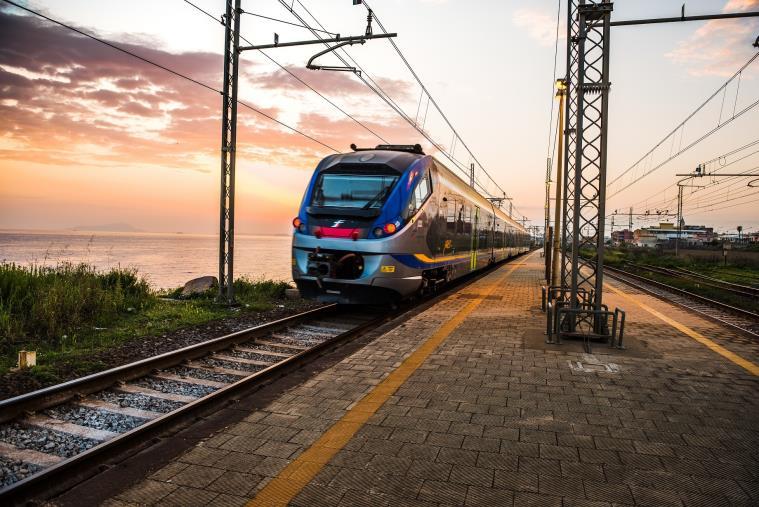 images Viabilità. Dopo il link per Cedri Beach e Capo Vaticano, Trenitalia lancia la formula treno+bus per raggiungere le spiagge calabresi