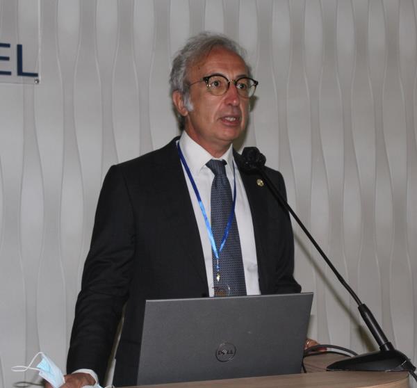 """images Sanità a Catanzaro. Il dott. Talarico insignito del premio """"Paul Harris Fellow"""" per il suo impegno nella campagna vaccinale"""