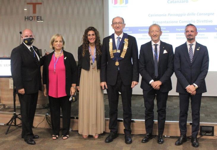 images Al Rotary di Catanzaro passaggio delle consegne tra presidenti: Pasquale Placida lascia il posto a Vito Verrastro