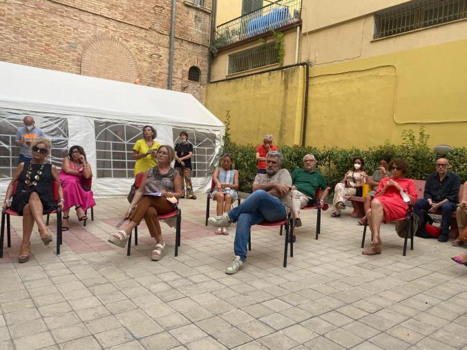 """images Cosenza, iniziativa de """"La Calabria vista dalle Donne"""": la democrazia partecipativa alla base del prossimo quinquennio"""