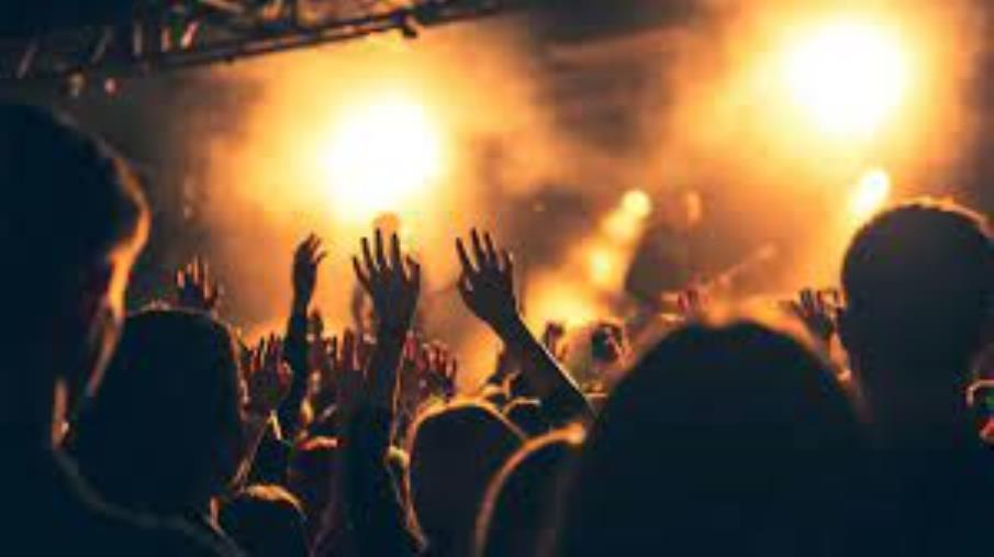 images Movida nel Soveratese. Musica e balli vietati: sigilli ad un locale sul lungomare di Sant'Andrea