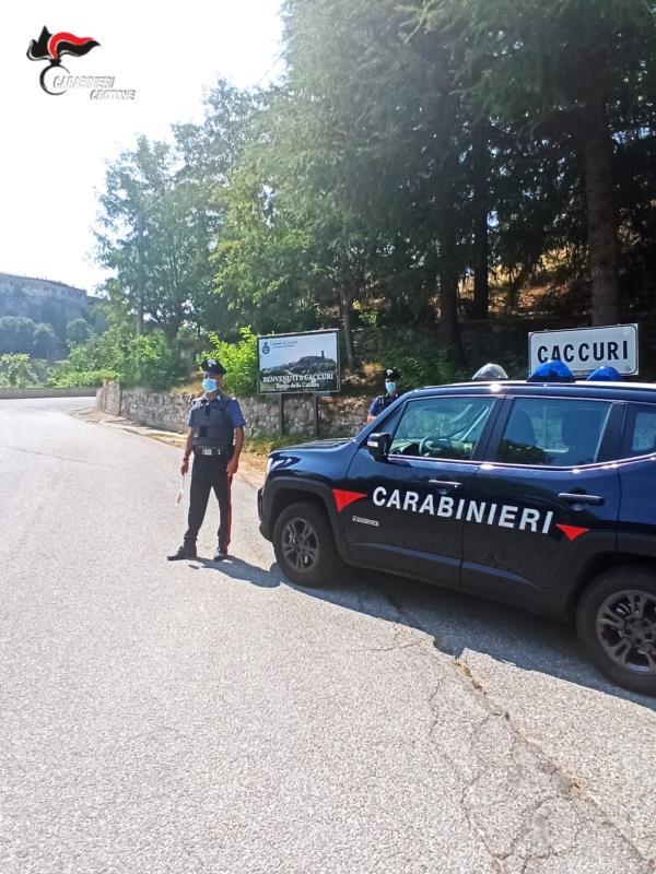 images Rissa con tanto di mazza di ferro: quattro arresti nel Crotonese