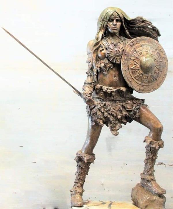 images Cosenza. Presto arriverà Brettia, la statua che raffigura la prima donna guerriera