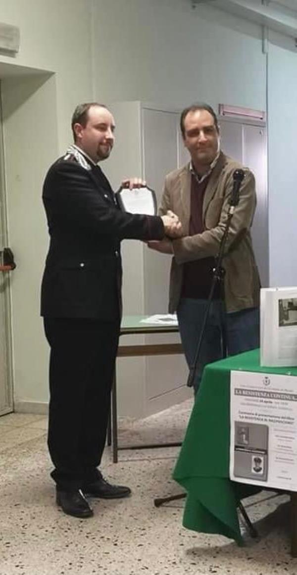 images Il sindaco di Maida saluta il Capitano Felice Bucalo che lascia la compagnia di Girifalco