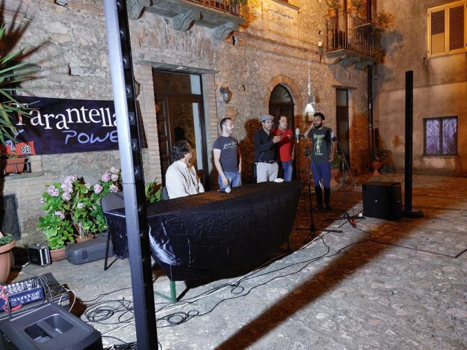"""images Tarantella Power a Tiriolo: """"I Canti della Tonnara"""" protagonisti della prima giornata"""