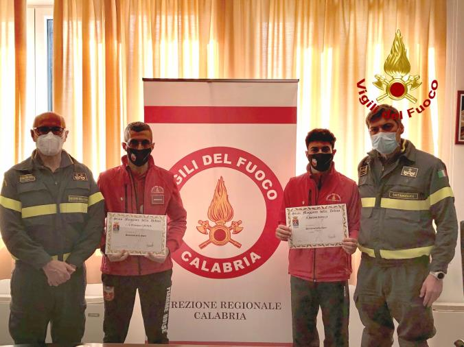 """images Vigili del fuoco: consegnati """"I distintivi dello sport"""""""