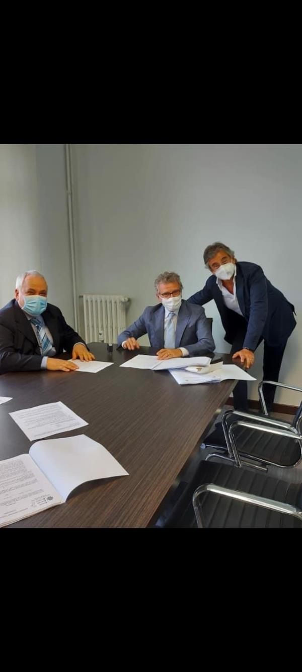 Sant'Anna hospital. Firmato (in ritardo) il contratto 2020 con l'Asp di Catanzaro