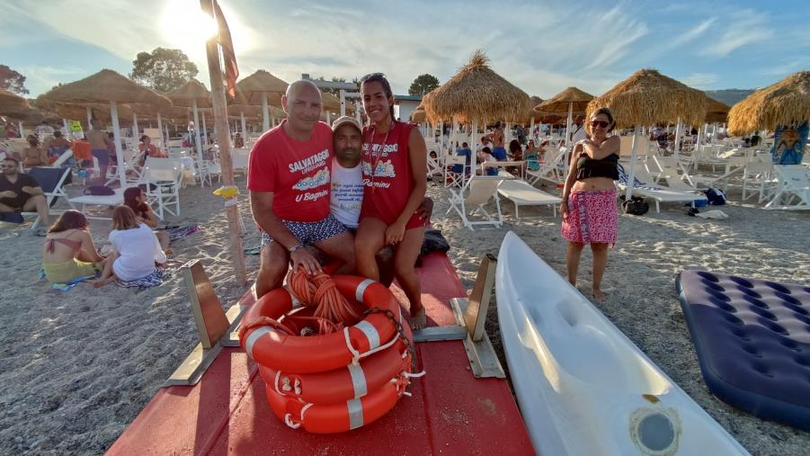 images Montauro. E' festa al Dadada Beach Village per Gabriella Biondo, la bagnina più giovane d'Italia