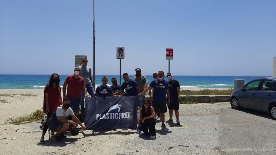 images Ambiente. Anche a Sellia Marina firmato il protocollo d'intesa con l'associazione Plastic Free