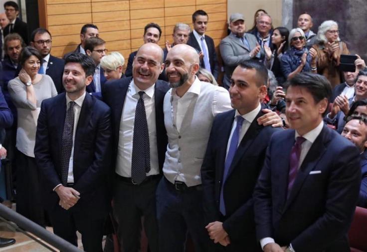 """images Regionali. Dopo l'Umbria, """"congelato"""" il patto civico Pd-M5S in Calabria. Si """"rafforza"""" Oliverio"""