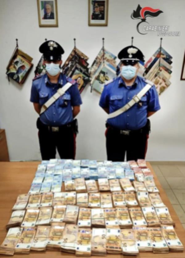 Riciclaggio di denaro: sequestrati 1,5 milioni euro a Gioia Tauro