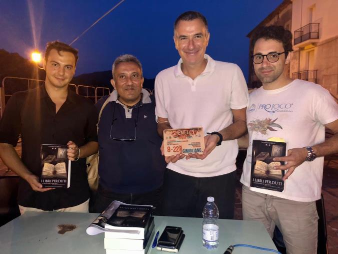 """images Gimigliano, rassegna culturale Ghemelon Art: Daniele Rosselli ha presentato il suo romanzo """"I libri perduti. Le indagini di Michele"""""""