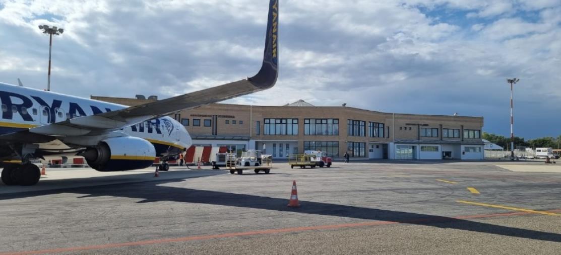 images L'Aeroporto di Crotone riceve la nuova certificazione rilasciata dall'Enac per gli standard europei