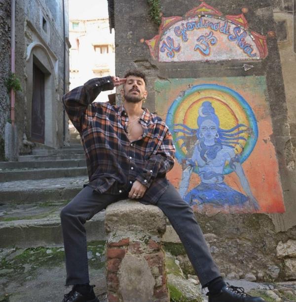 """images Musica. Aiello torna nella sua Cosenza per raccontare """"Meridionale"""" su Spotify"""