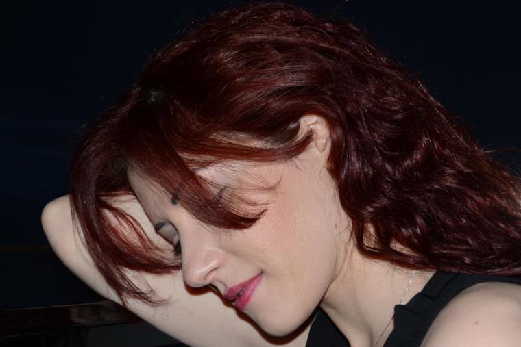 """images """"Come sempre"""", il singolo dell'artista adottata dalla Calabria Alisya è disco d'oro in Belgio, Svizzera, Austria, Argentina e Irlanda"""