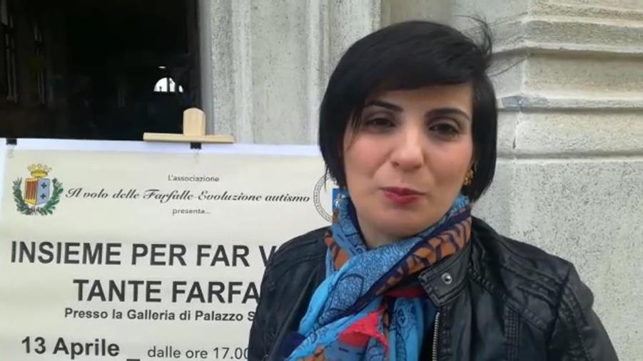 images Autismo. L'Asp di Reggio Calabria non paga le cure alla figlia: nuova protesta di Angela Villani