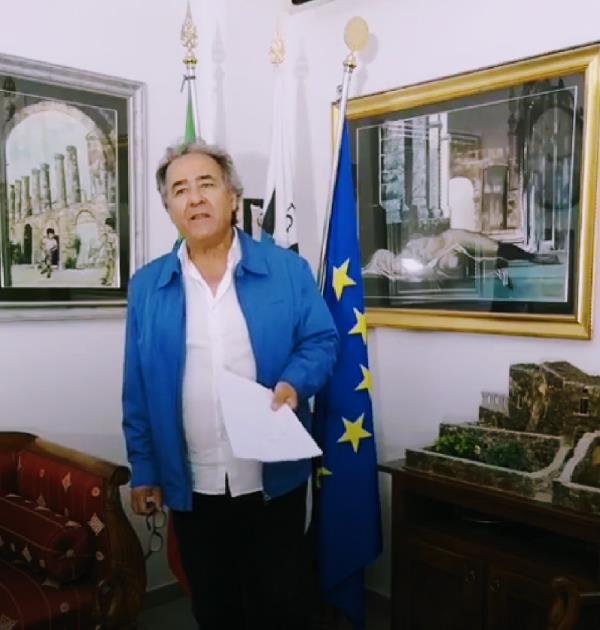 """images No alle Trivelle. Il sindaco di Amendolara Antonello Ciminelli: """"Il Cdm fa gli interessi delle multinazionali"""""""