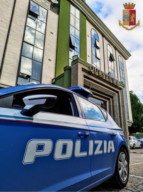 Vibo Valentia. Tenta una rapina arrampicandosi dal balcone: arrestato un 47enne