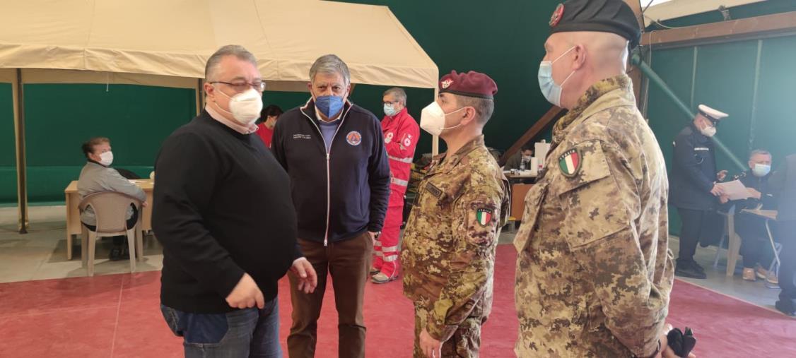 """images Vax day. Comando Militare Esercito """"Calabria"""": """"Straordinaria adesione"""""""
