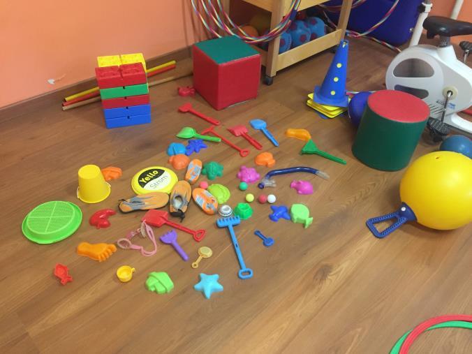 images Cirò Marina. I carabinieri sequestrano oltre 2700 articoli pericolosi: sigilli a molti giocattoli per bambini