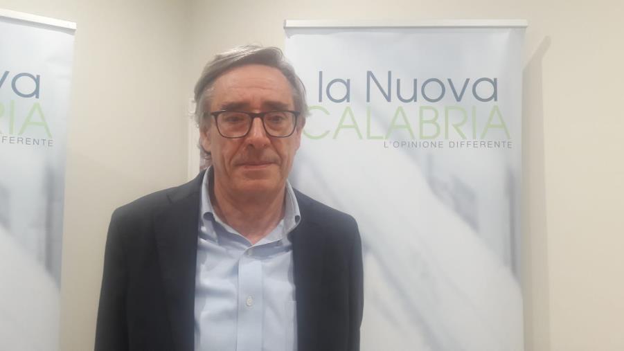 """images Coronavirus. Il consigliere regionale Esposito: """"Ampliare anche in Calabria la platea dei soggetti da tamponare"""""""