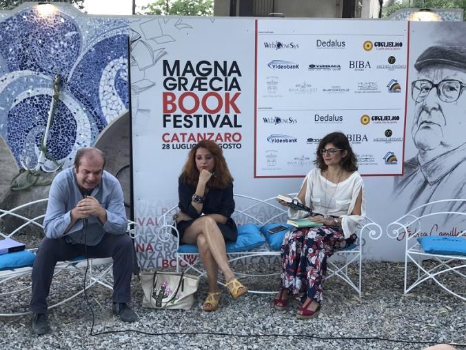 images Il Magna Graecia Book Festival chiude con il volume di Barbara Tomasino dedicato alle Grupie