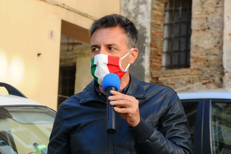 """images Poliziotti aggrediti a Catanzaro. Brugnano (Fsp): """"Vicinanza ai colleghi, politica assente dai quei territori"""""""